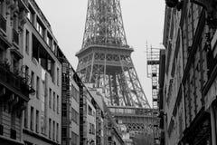 Widok w kierunku wieży eifla Obrazy Stock