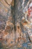 Widok w pustą średniowieczną katakumbę Tunel wykopujący w pomarańczowej piaskowiec skale Fotografia Royalty Free