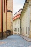 Widok wąska Jirska ulica w Praga kasztelu Zdjęcia Stock