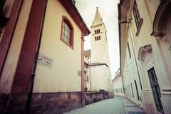 Widok wąska Jirska ulica w Praga kasztelu Obrazy Royalty Free