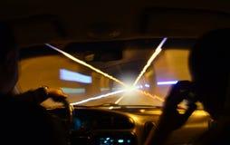 Widok w tunelu przez frontowego szkła samochód obraz stock