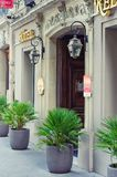 Widok wejścia cztery gwiazdy hotelowe w Paryż Fotografia Royalty Free