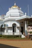 Widok wejście Mangeshi świątynia, Gao, India Fotografia Royalty Free