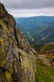 Widok wewnątrz dolina od Snezka Mountainin Krkonose parka narodowego Obrazy Royalty Free