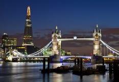 Widok wierza most i czerep w Londyn zdjęcie royalty free