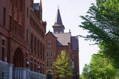 Widok Williams Hall i Stary młyn przy uniwersytetem Vermont Fotografia Royalty Free
