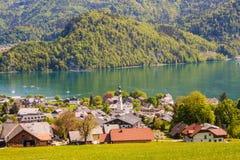 Widok wysokogórski miasteczka St Gilgen na Wolfgangsee jeziorze, Austria Fotografia Royalty Free