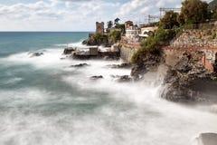 Widok wzdłuż linii brzegowej, Nervi, Włochy Fotografia Stock