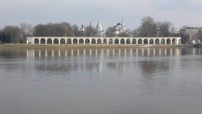 Widok Yaroslav podwórze, chmurny Kwietnia dzień novgorod Russia veliky zbiory