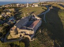 Widok z lotu ptaka Anglonormański Szwabski kasztel, Vibo Valentia, Calabria, Włochy fotografia royalty free