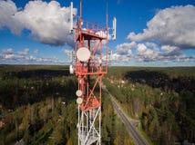 Widok z lotu ptaka anteny telekomunikaci wierza Obrazy Stock