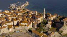 Widok Z Lotu Ptaka - Antyczny Europejski miasto Stary Grodzki Budva zbiory wideo