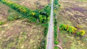 Widok z lotu ptaka autostrada na wsi zbiory wideo