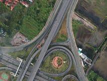 Widok z lotu ptaka autostrady okręgu ruch drogowy w Tajlandia miasta natury plenerowym punkcie zwrotnym Obraz Royalty Free