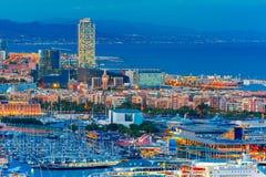 Widok z lotu ptaka Barcelona przy nocą, Catalonia, Hiszpania obrazy stock