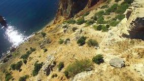 widok z lotu ptaka Breathtaking przylądka Fiolent skłony, Sevastopol, Crimea zbiory wideo
