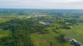 Widok z lotu ptaka budynek mieszkalny z typowy ryżu agri lub uprawiać ziemię Zdjęcie Royalty Free