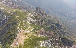 Widok z lotu ptaka Ceahlau góra z skalistym kamieniem i lasu krajobrazem Fotografia Royalty Free
