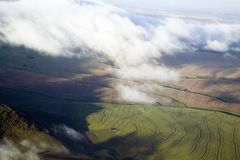 Widok z lotu ptaka chmury i obszary trawiaści Północny Kenja, Afryka blisko Lewa przyrody Conservancy Fotografia Stock