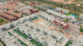widok z lotu ptaka contruction teren z nowymi budynkami spain, costa blanca, Alicante, Torrevieja zbiory wideo