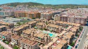 widok z lotu ptaka Costa blanco mieszkania blisko wyrzuca? na brzeg zbiory wideo