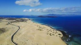 Widok z lotu ptaka droga, pustynia, wybrzeże Obraz Royalty Free
