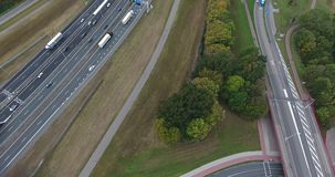 Widok z lotu ptaka drogi, park przemys?owy w Dordrecht, holandie zbiory wideo