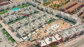 widok z lotu ptaka Du?y budowa ?uraw, zamyka up Budowa ?uraw na budynku tle, Hiszpania zdjęcie wideo