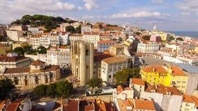 Widok z lotu ptaka dziejowa część Lisbon i Lisbon katedra przy słonecznym dniem Portugalia Zdjęcie Stock