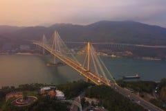 Widok z lotu ptaka Dzwoni Kau most Autostrady w Hong kong z struktur? zawieszenie architektura w transporcie i podr??y zdjęcia royalty free