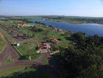 Widok z lotu ptaka Ekologiczny park w Sertaozinho mieście, Sao Paulo, Brazylia obrazy royalty free