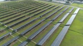 Widok z lotu ptaka energia słoneczna panel, panel słoneczny, energii słonecznych rośliny zbiory wideo