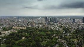 Widok z lotu ptaka Frankfurt g??wny pejza? miejski, Niemcy - jest - zbiory wideo
