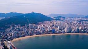 Widok z lotu ptaka Gwangalli plaża w Busan mieście, Południowy Korea Aeria obraz stock