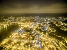 Widok z lotu ptaka Hong Kong nocy scena, Kwai Chung w złotym kolorze fotografia royalty free