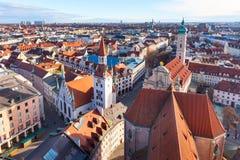 Widok z lotu ptaka i miasto linia horyzontu w Monachium, Niemcy Zdjęcie Stock