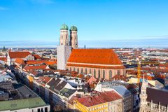 Widok z lotu ptaka i miasto linia horyzontu w Monachium, Niemcy Zdjęcia Royalty Free
