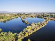 Widok z lotu ptaka jeziorny naturalny teren Zdjęcie Royalty Free