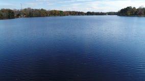 Widok Z Lotu Ptaka jezioro i tama zdjęcie wideo