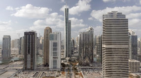 Widok z lotu ptaka Jumeirah jeziora Góruje w Dubaj, UAE Zdjęcia Stock