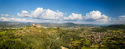 Widok z lotu ptaka kasztel Monterrey w Ourense obrazy stock
