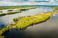 Widok z lotu ptaka Kizhi wyspa z starą rosyjską drewnianą architekturą w Karelia, Rosja Zdjęcie Stock