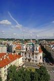 Widok z lotu ptaka kościół St Nicholas w Praga fotografia stock