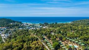 Widok z lotu ptaka Koh Lipe, tropikalna plaża w południe Tajlandia zdjęcia royalty free