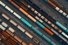 Widok z lotu ptaka kolorowi pociągi towarowi Obraz Stock