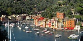 Widok z lotu ptaka kolorowy Portofino marina i nabrzeże zdjęcia stock