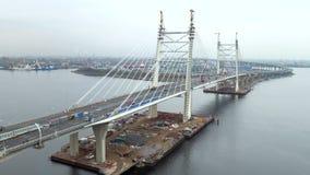 Widok z lotu ptaka koniec budowy scena nowożytny kabel zostawał bridżowym przez Neva jako część WHSD na zbiory
