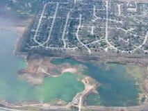 Widok z lotu ptaka krajobraz i pejzaż miejski Indianapolis przez chmur Widok od samolotu Indianapolis jest kapitałem i najwięcej  Obraz Stock
