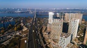 Widok z lotu ptaka krajobraz w mieście z w budowie budynkami i przemysłowymi żurawiami budowa ustanowione cegieł na zewnątrz miej obraz royalty free