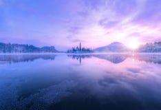 Widok z lotu ptaka Krwawić jezioro w wschodu słońca świetle Fotografia Royalty Free